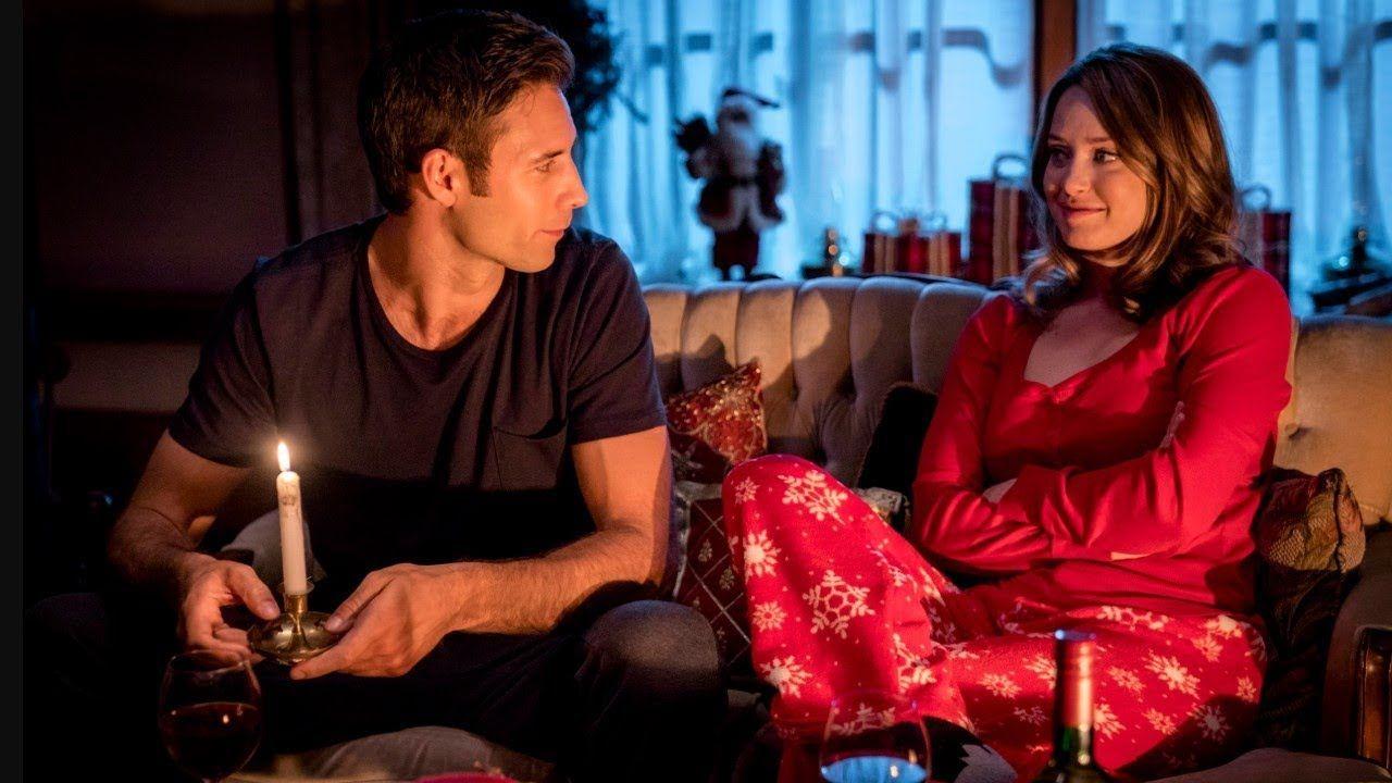 The Christmas Chalet (2019) Erica Durance, Robin Dunne