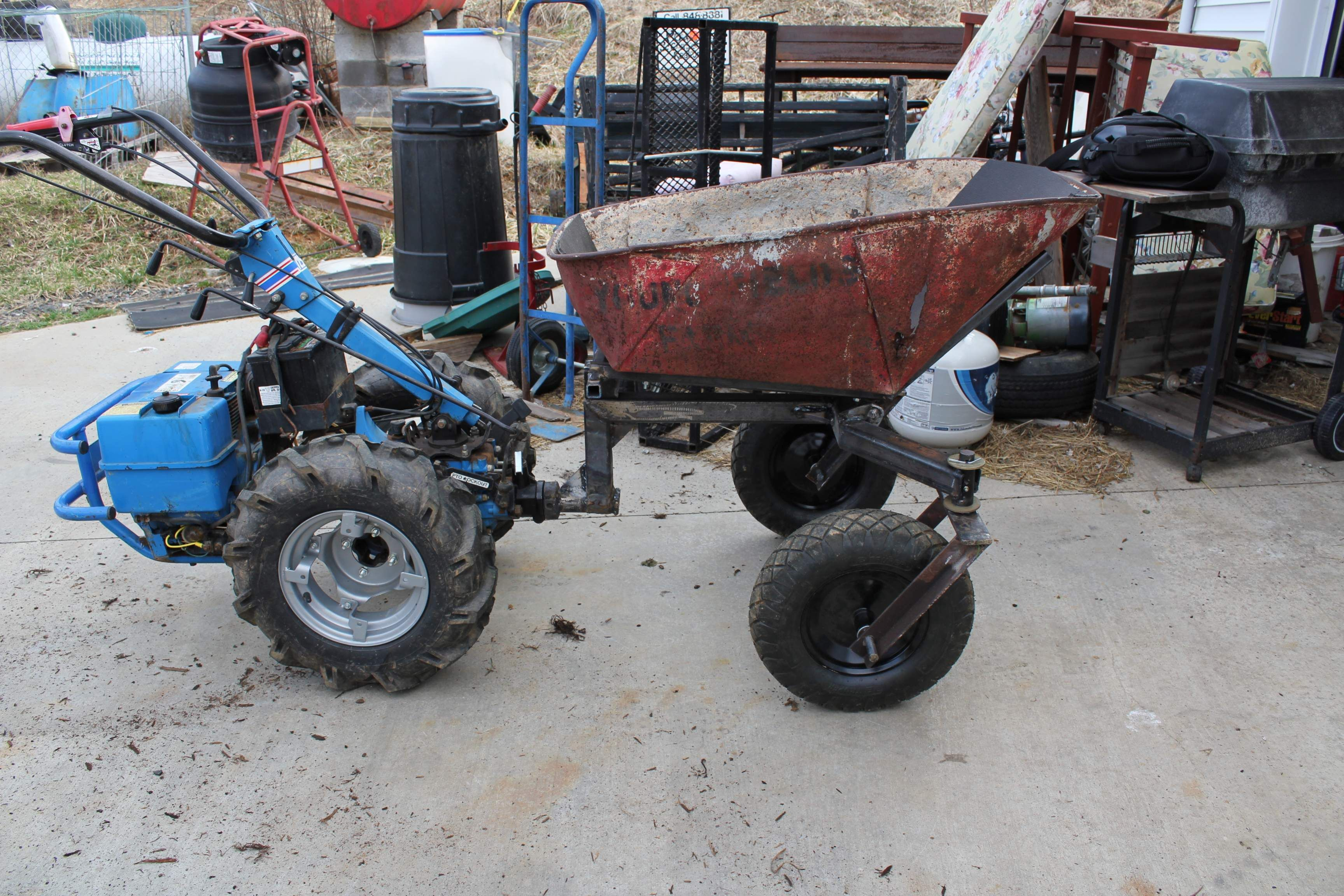 Space fabrication tractor cars