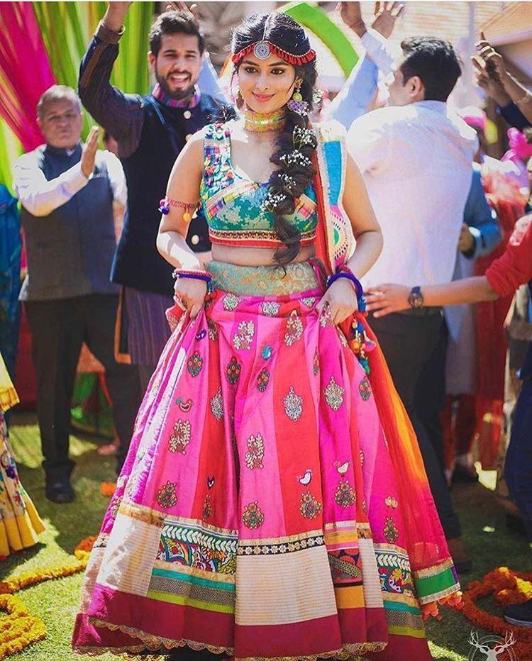 Boho chic look for mehendi. #TrendingBridalWear, #BridalLehengas ...