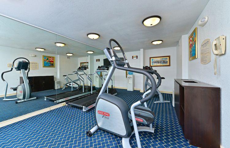 Gallery baymont inn suites savannah midtown suites