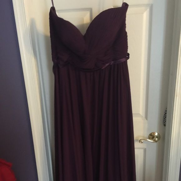 Long prom or formal dress Worn once no marks or stains. PRICE NEGOTIABLE! Dresses Prom