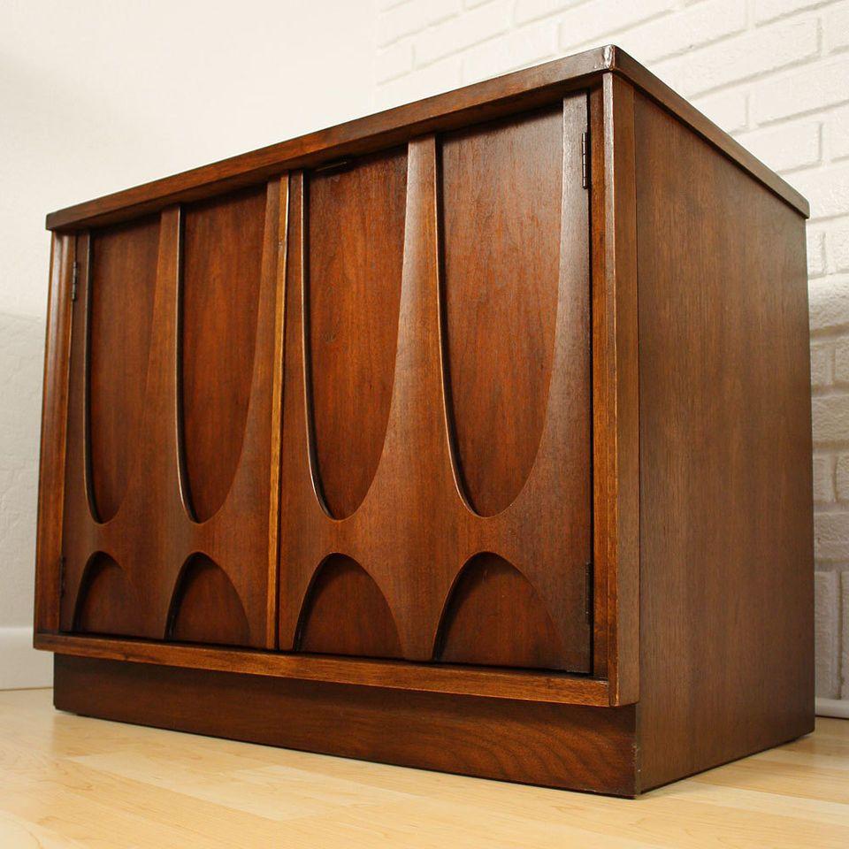 Vintage mitte jahrhundert wohnzimmer mid century danish modern broyhill brasilia cabinet   hübsch und
