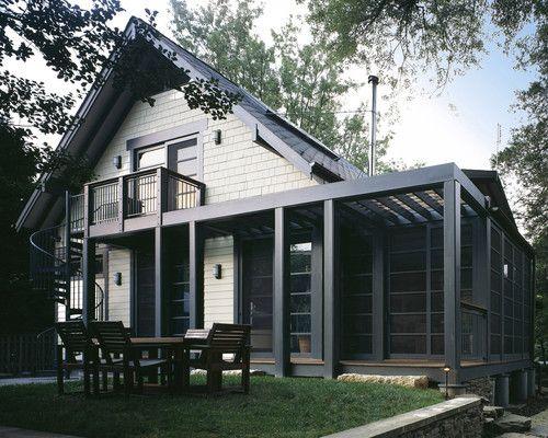 House is benjamin moore windsor cream 913 the dark gray for Modern house exterior window trim