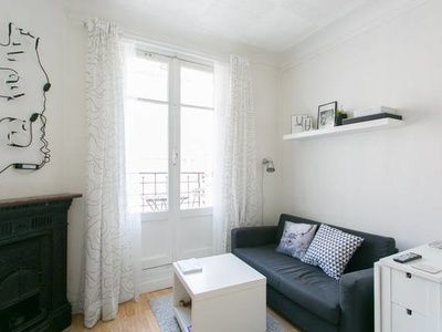Discover Paris in this charming studio of 23 m2 with large separate
