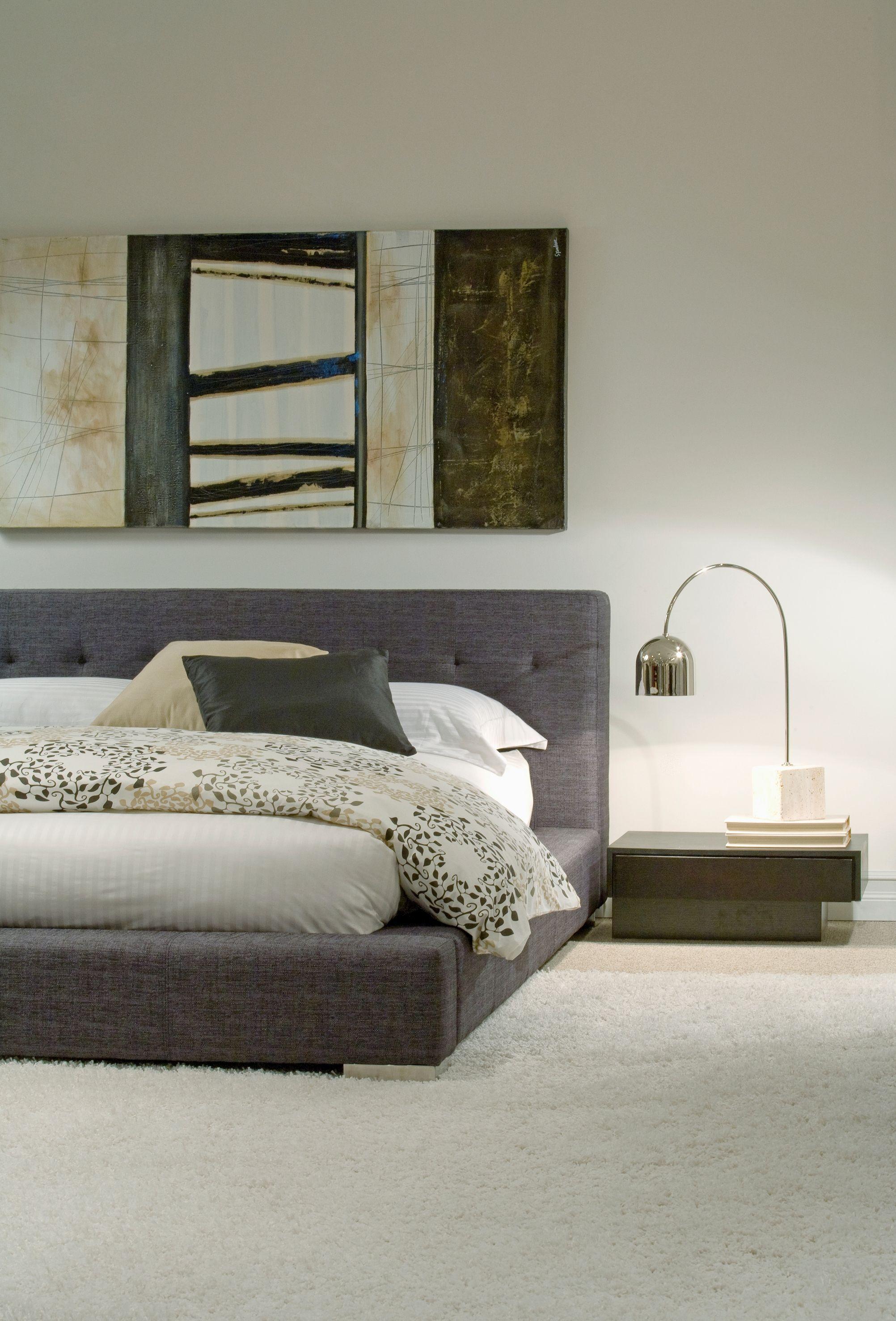 Lit A Donner un lit aux lignes très épurées pour donner un aspect moderne à la
