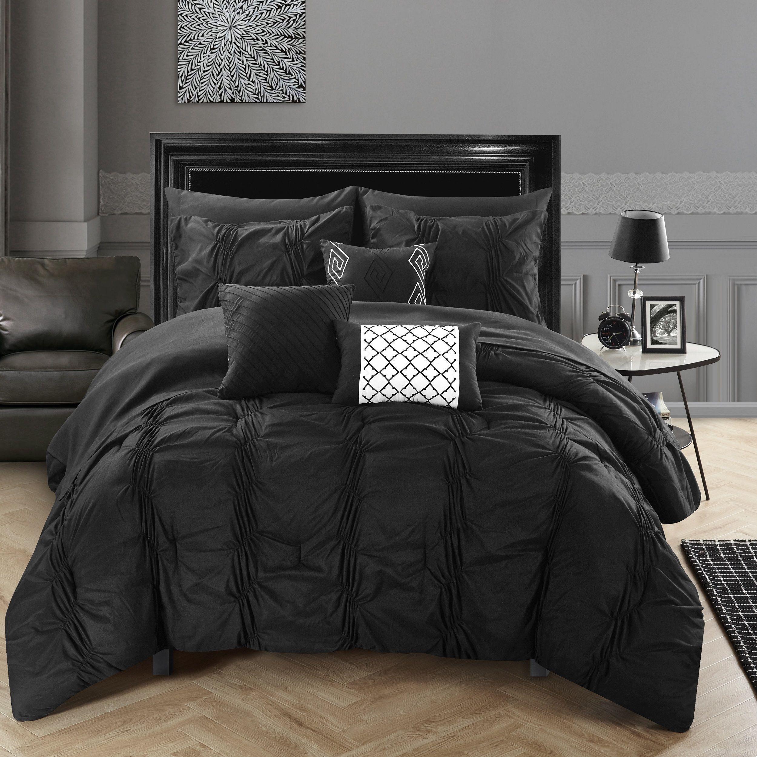 black bedding luxurious bedrooms