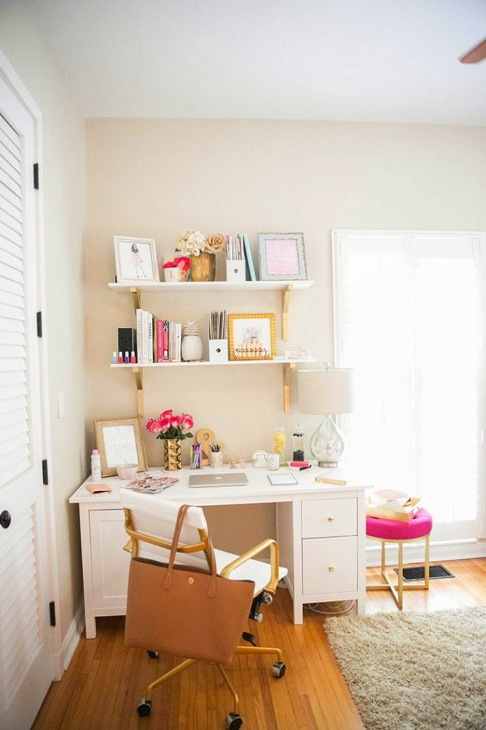 Here Are The Top 24 Diy Spring Projects According To Pinterest Small Space Office Home Office Design Home Office Decor