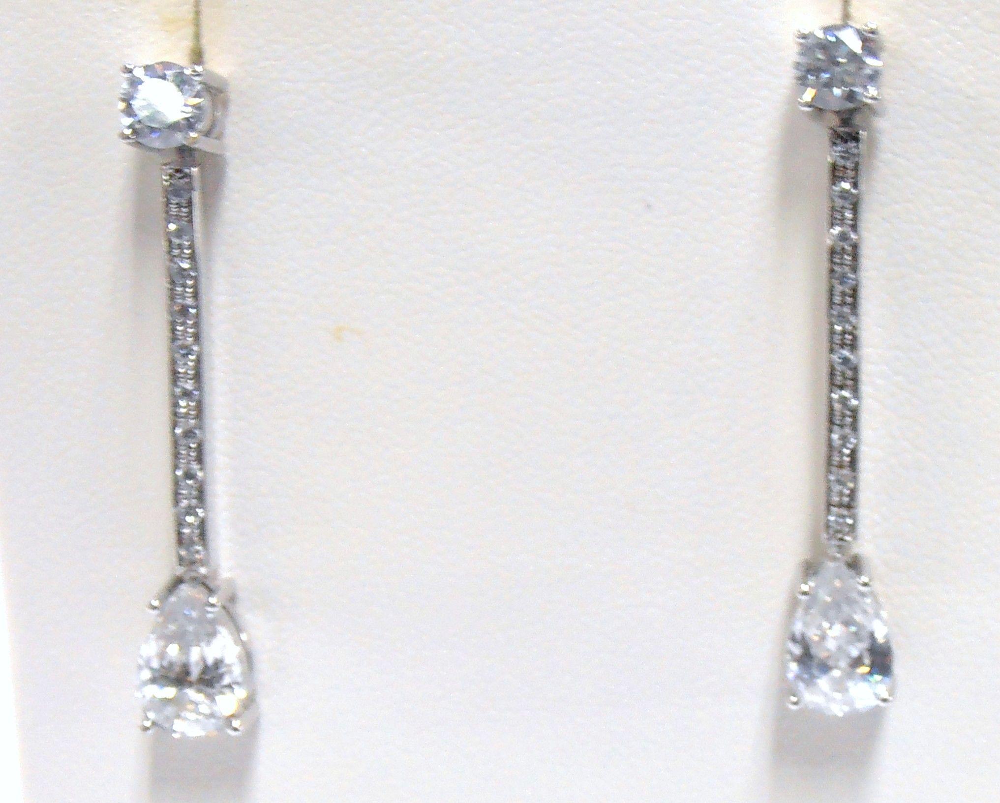 45e9dee5e4b4 Elegantes y sofisticados aretes ideales para novias en su gran día ...