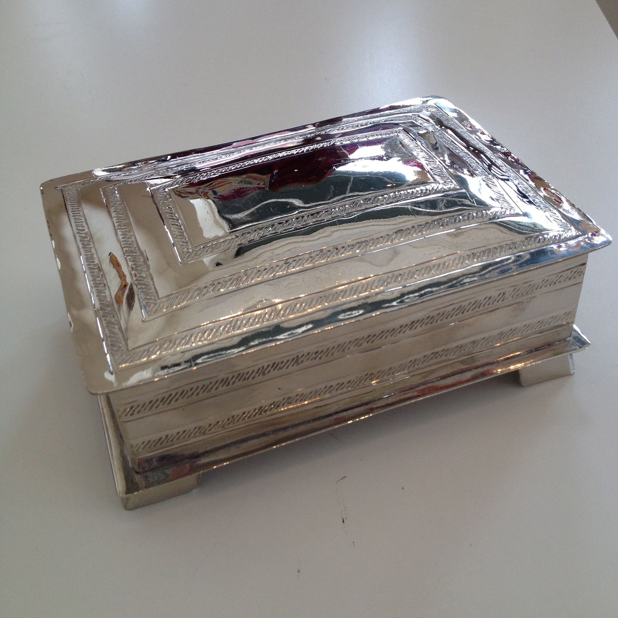 Shiny Alpaca Box, Large