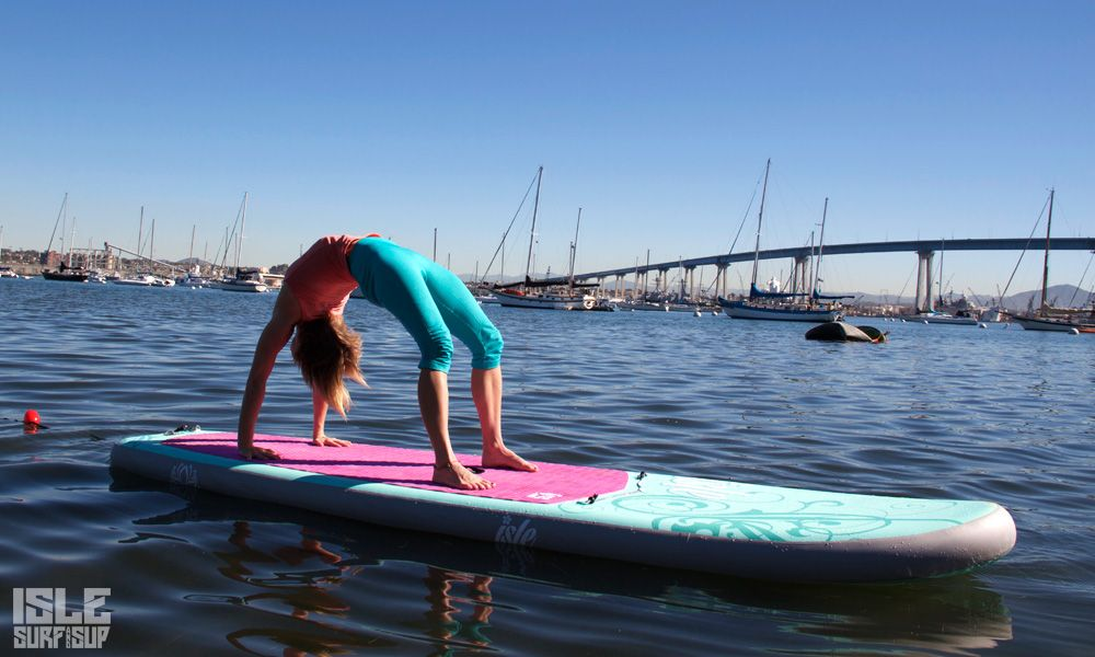 Paddle Surf Yoga pose de la rueda