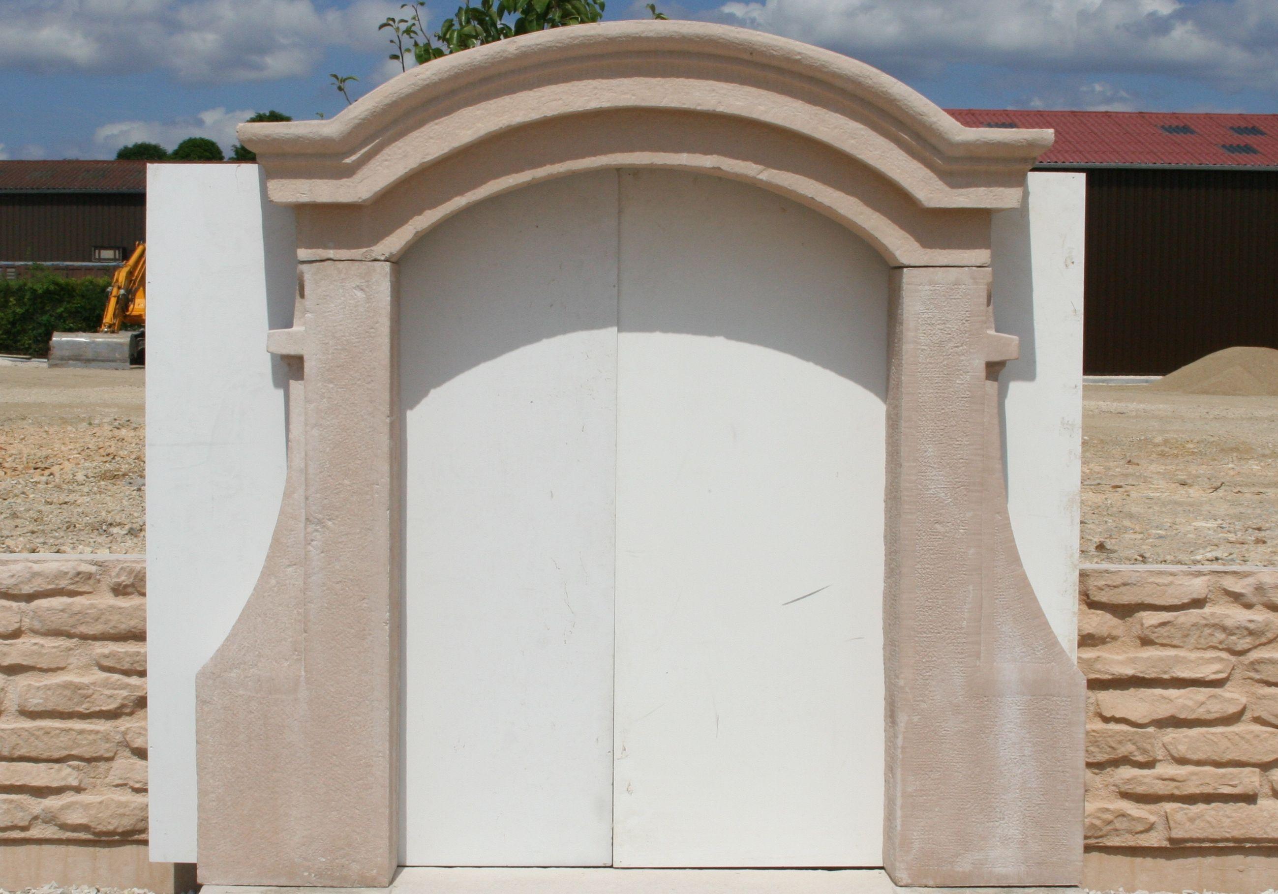 Lucarne Chapeau De Gendarme Gamme Decoration Facade En Pierre Reconstituee Ou Beton Decoratif Decoration Facade Lucarne Decoration Beton
