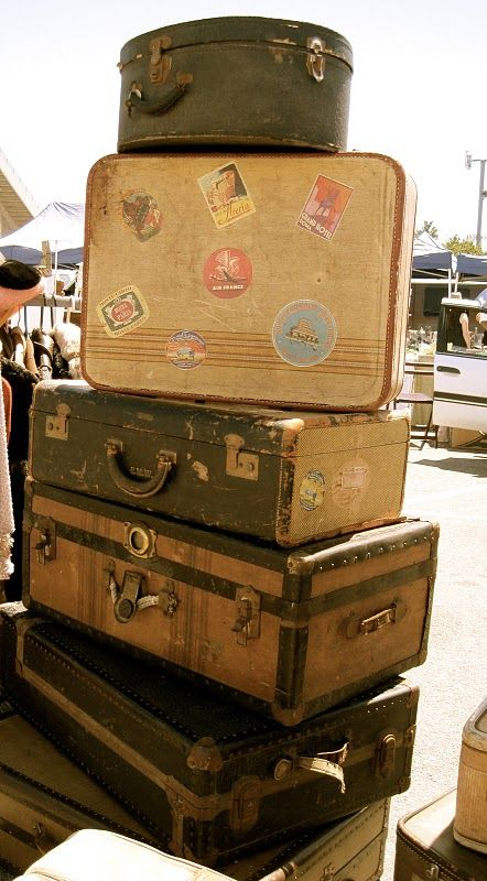 My Style Of World Travel This Would Be Such A Great Way Of Displaying Travel Photos From Trips In You Vintage Suitcases Vintage Suitcase Table Vintage Trunks