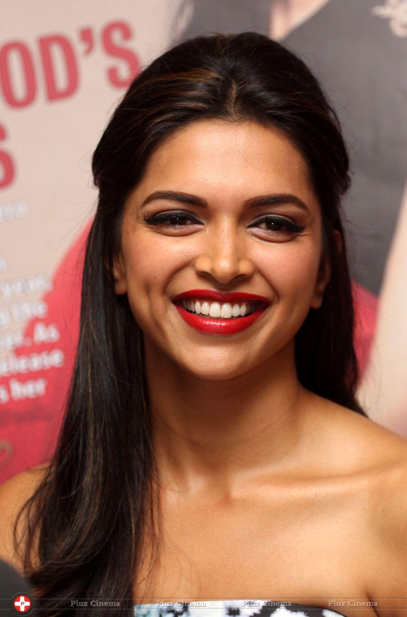 Deepika Padukone | Deepika hairstyles, Beautiful actresses ...
