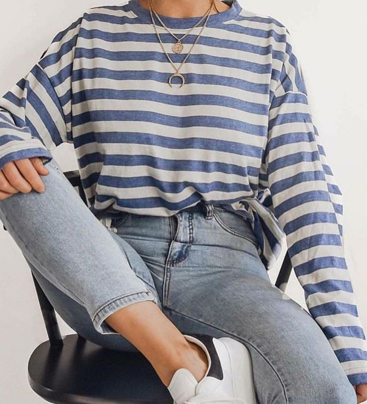 herfst mode streepjes trui, gestreepte tui, gestreepte sweater herfst, zomer outfit inspiratie streepjes, streepjes top, gestreepte top zomer, striped top nacklaces, casual comfy outfit with stripes, summer outfits, summer stripes