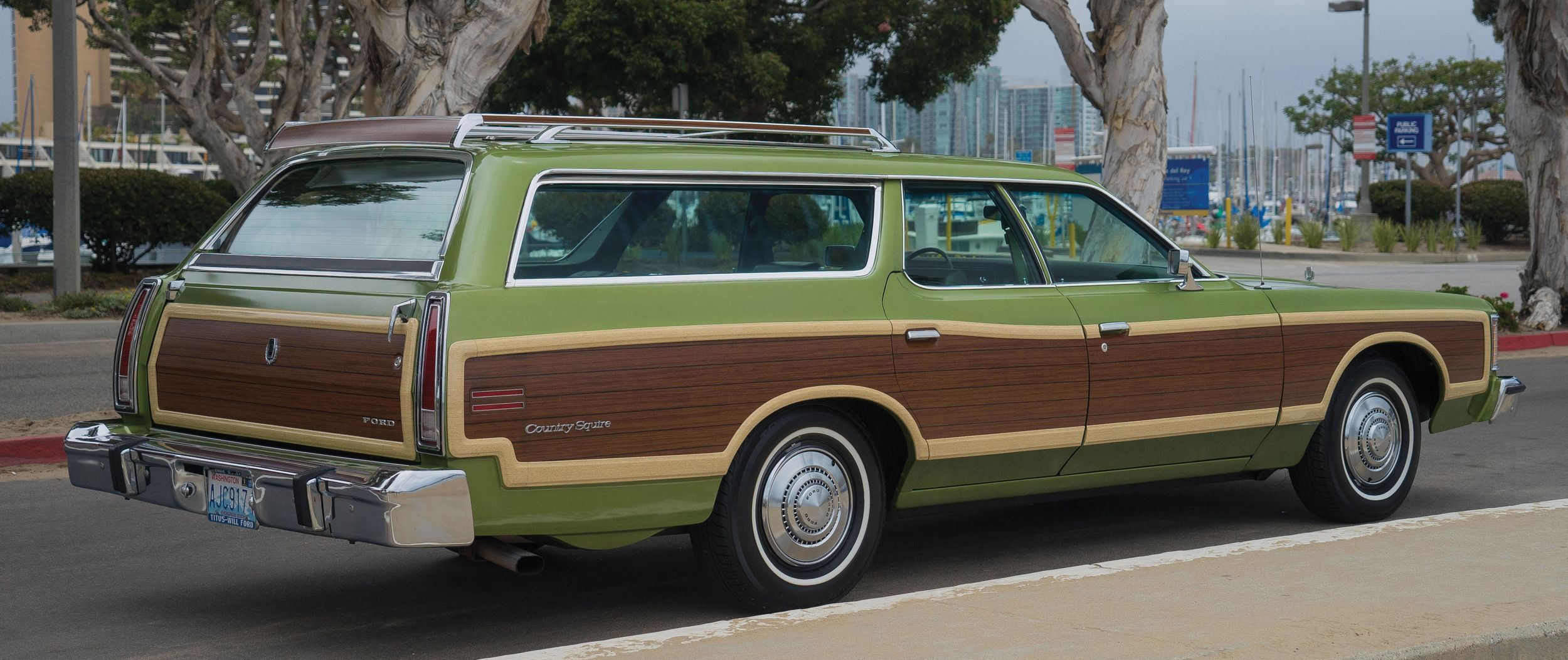 Low mile long roof – 1,400 mile 1974 Ford LTD Countr | Ford, Station ...