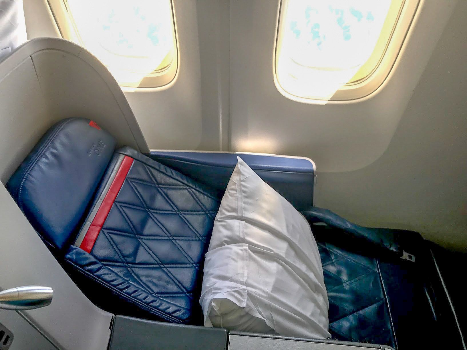 A review of delta 767300er delta one delta business