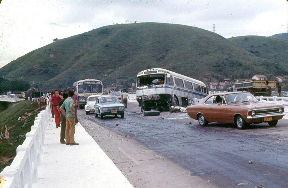 Acidente Na Via Dutra Em 1973 Com O Onibus Da Viacao Cometa