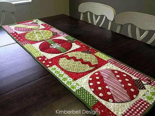 Christmas Table Runner More Christmas Quilt Patterns Christmas Patchwork Christmas Sewing