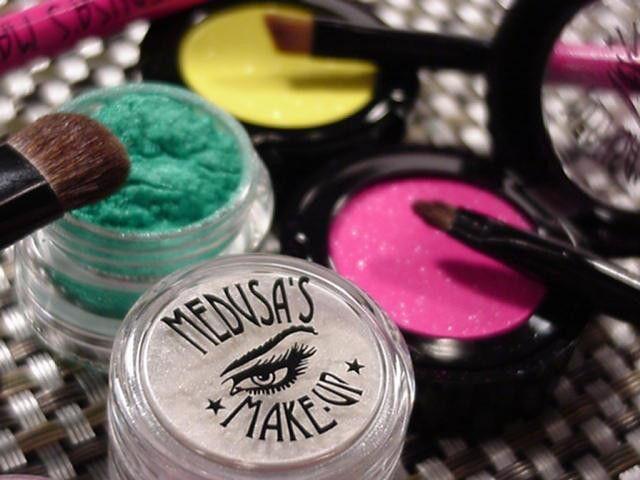 Medusas Make-up - Eye Shadow - Electro Turquoise (Vegetarian) - FriendsOfTheLagomorph