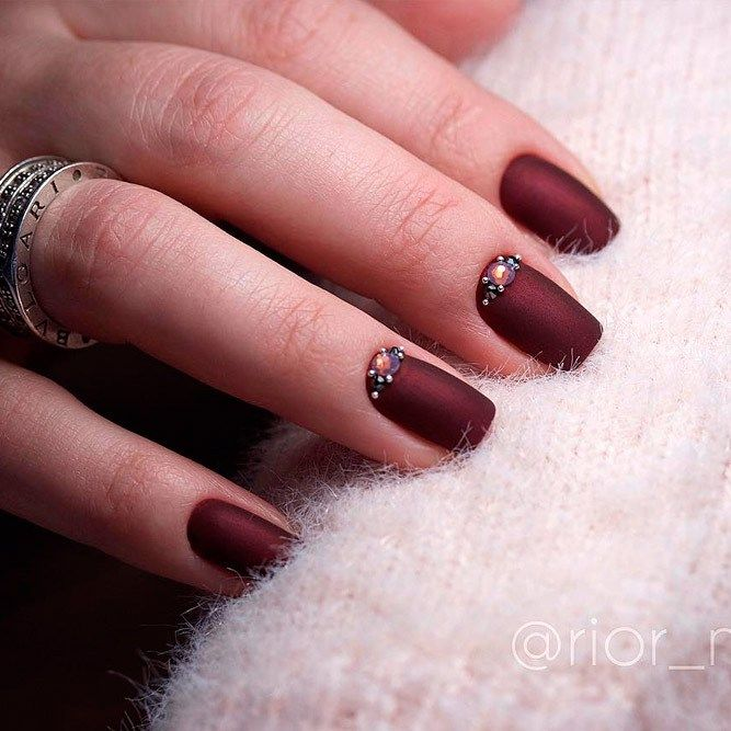 Burgundy nail varnish - Gel Polish Nail decoration 2018 | Nail decorations,  Varnishes and Acrylic nail salon - Burgundy Nail Varnish - Gel Polish Nail Decoration 2018 Nail