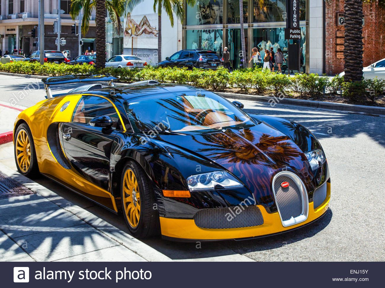 U S A California Los Angeles A Luxury Car In Rodeo Drive Stock Luxury Cars Car Car Ins