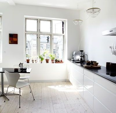 Modern Kitchen In White Color Without Upper Cabinets Keuken