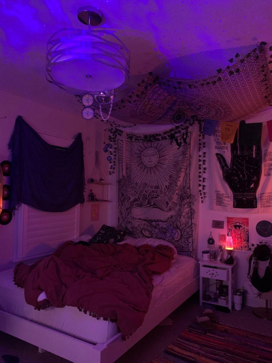 Dorm Room Ideas in 21   Room design bedroom, Chill room, Room ...