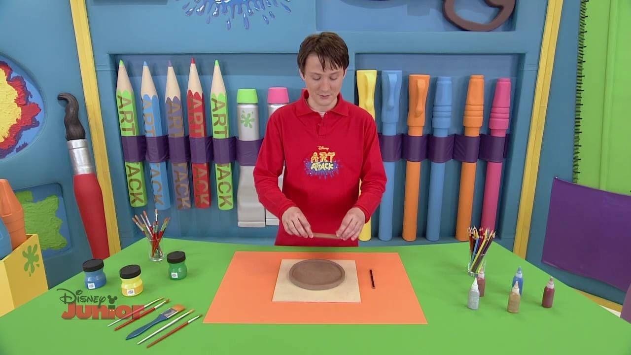 Art Attack – Pizza din lut. Doar la Disney Junior!