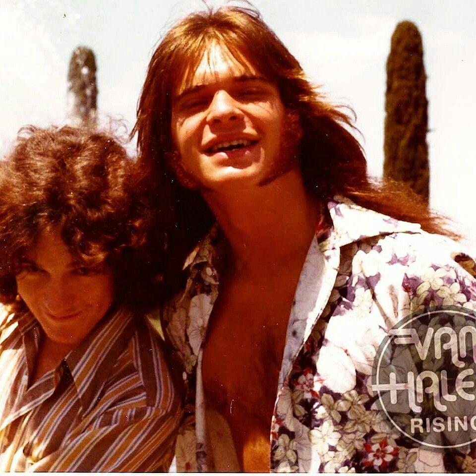 A First Look Never Before Seen Photo Of David Lee Roth In Las Vegas With Friend In The Spring Of 1973 Just Prior T David Lee Roth Van Halen Eddie Van Halen
