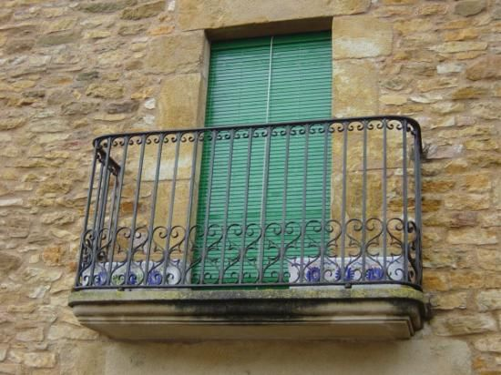 Balcones forja barandillas de forja dise o rejas para for Puertas de diseno