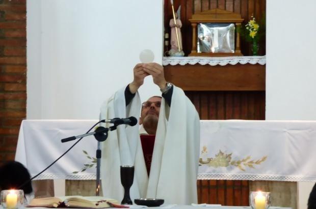AICA: Saquearon la parroquia y profanaron el sagrario