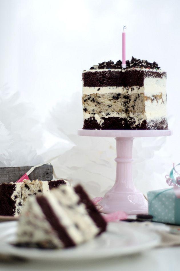 Louises Spis Naked Cookies And Cream Birthday Cake A Late Blogiversary Naken Oreo Tarta