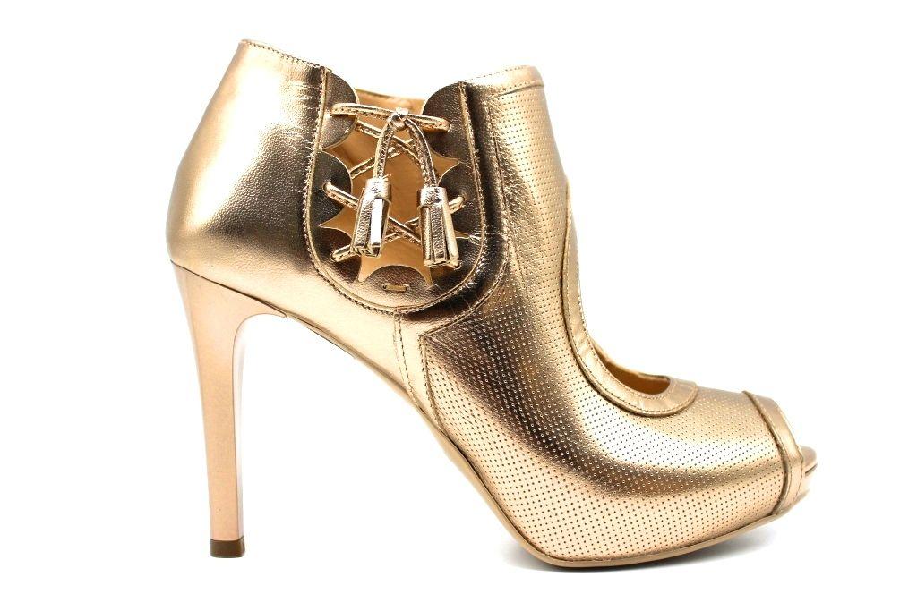 Pin di Katia d'auria su Sandali nel 2020 | Sandali, Tacchi
