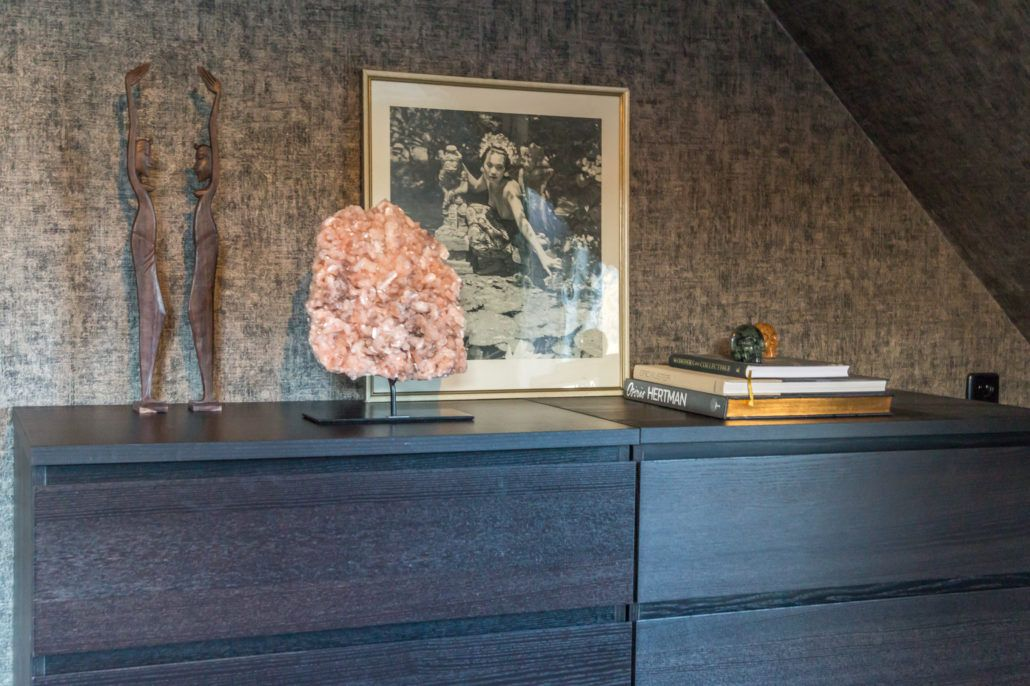Stilbiet op sokkel in luxe interieur. Lara Daas de ontwerper voor de ...