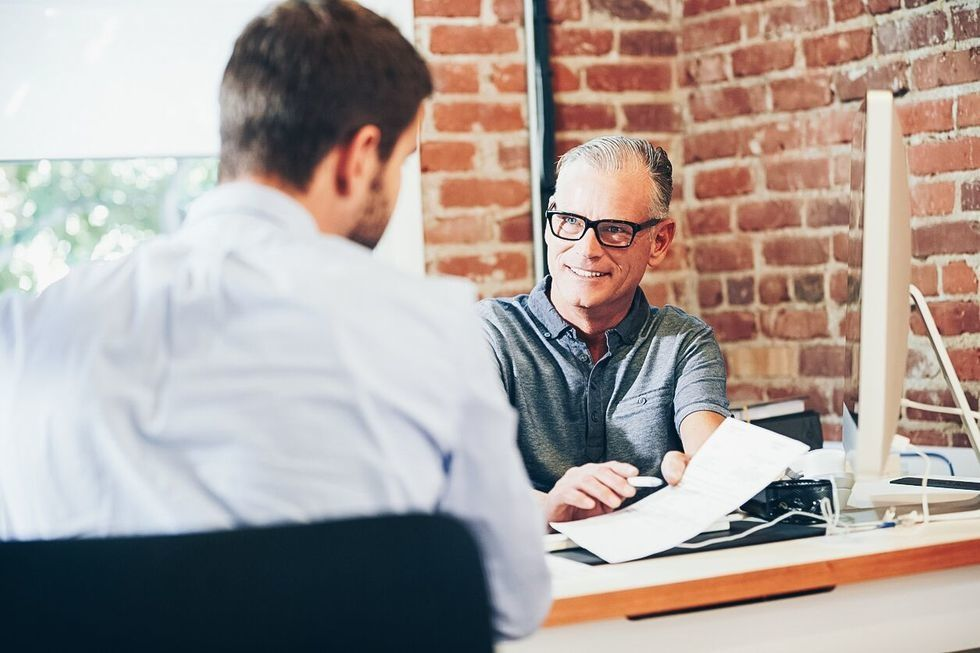 5 common resume mistakes that keep employers from