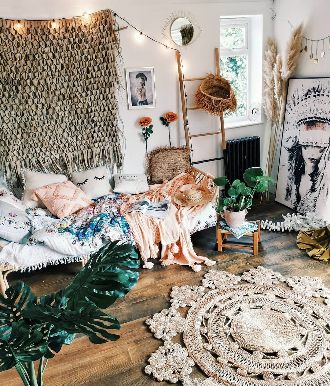 Bohemian Living Room With Day Bed And Rustic Round Rug From Laradoute Bohemianh Be Daybed In Living Room Round Rug Living Room Living Room Rug Placement