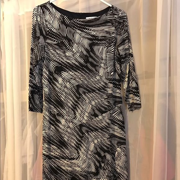 I just added this to my closet on Poshmark: David Meister Sheath Evening Dress. Price: $85 Size: 8