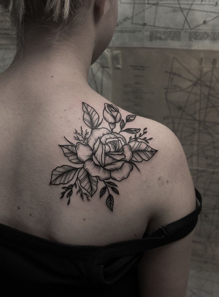 Pin By Nancy On Tattoos Flower Tattoo Shoulder Rose Tattoos Shoulder Tattoos For Women