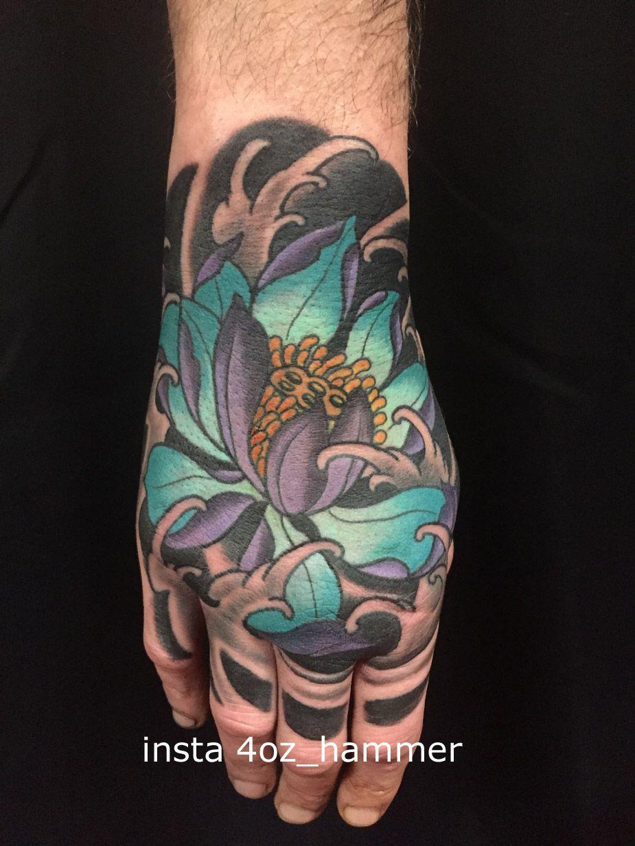 Lotus Tattoo Hand Japanese Tattoo Hand Hand Tattoos Colorful Tattoos Japanische Tattoo Japanische Tattoowie Hand Tattoos Lotus Hand Tattoo Japanese Tattoo
