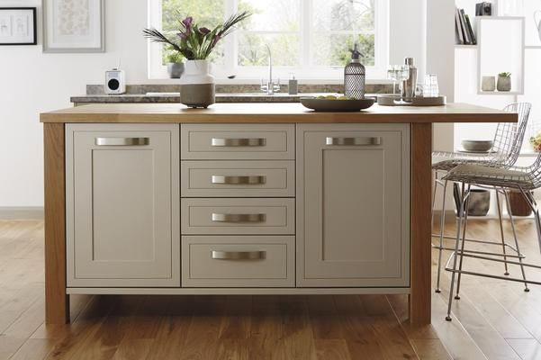 Bespoke Island Framed With Solid Oak Worktop And Newel Posts I Really Like This Island