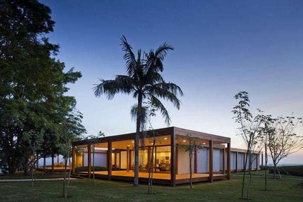 Isay Weinfeld recrea los años 50 y 60 en el complejo Fazenda Boa Vista, a las afueras de São Paulo.