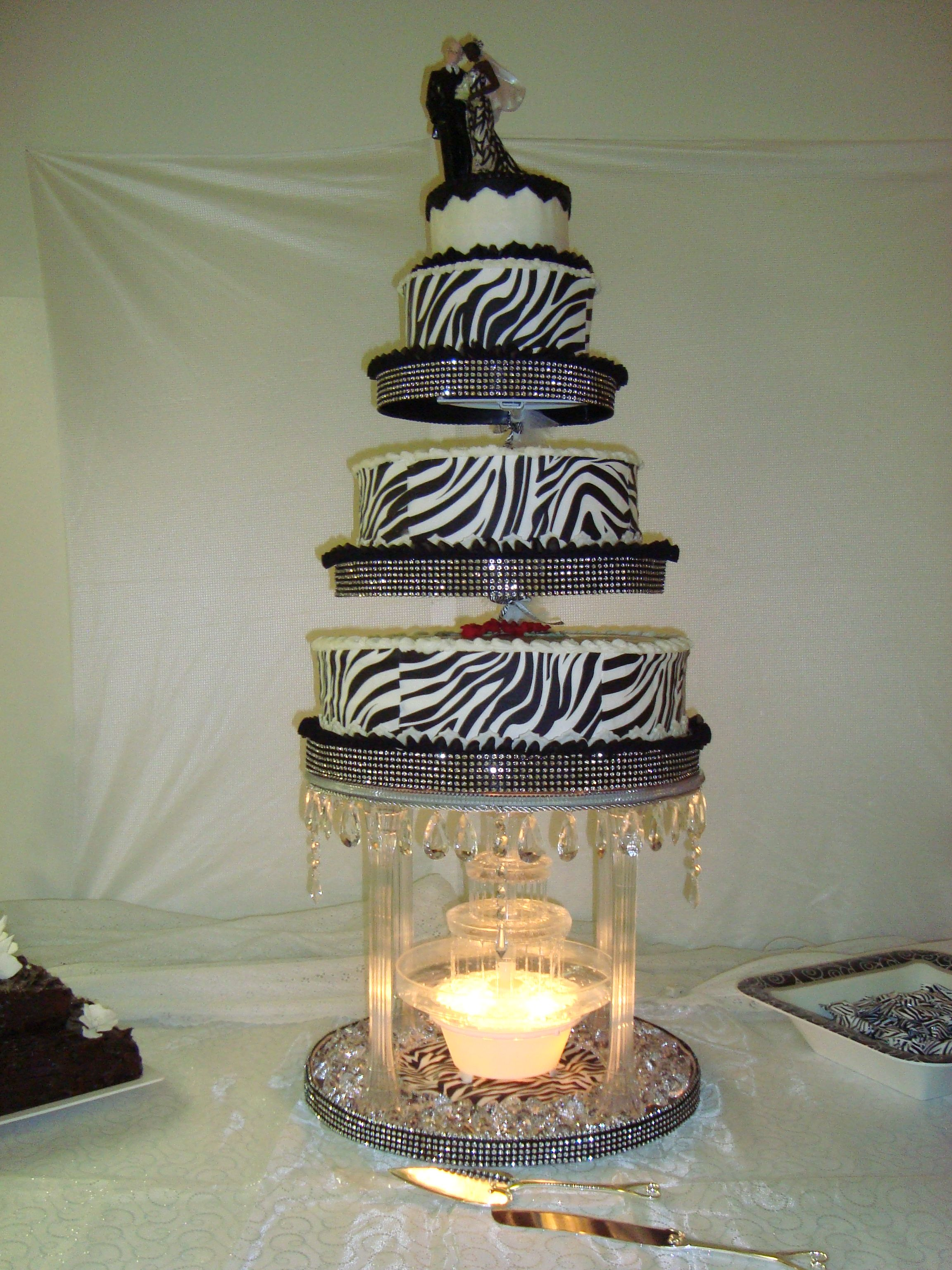 water fountain wedding cake stand wedding cake i used a combination of clear 16 inch 21679