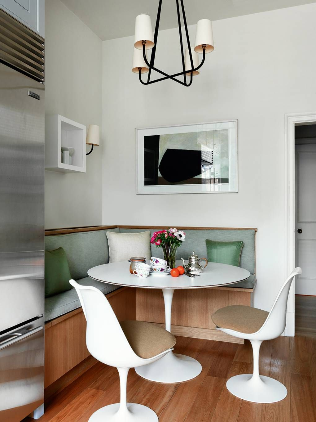 Dining Room Designs For Small Spaces: An Elegant And Airy London Apartment By Hugh Henry