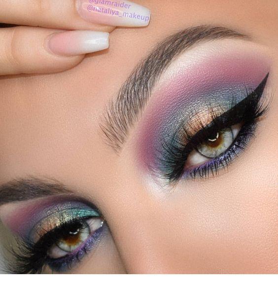 Ojos azules, maquillaje azul y morado – Samantha Fashion Life