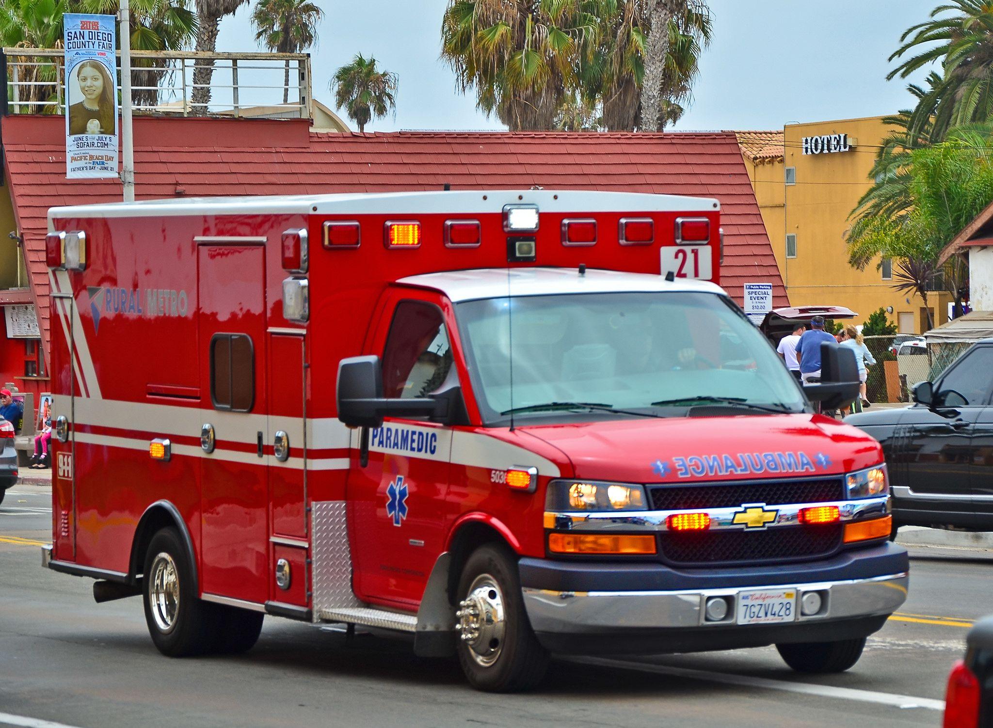 Rural Metro Paramedic Ambulance 21   TDelCoro Plane Hunter