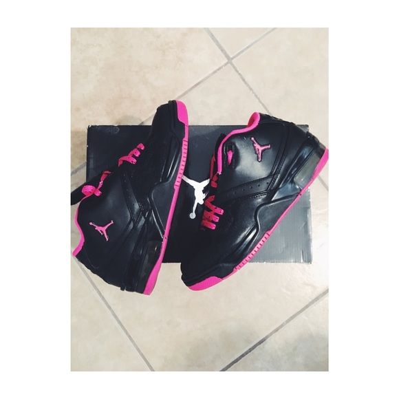 c4b75b63cc9 Girls Jordan Flight23 Black   Pink - also has glitter. Size 5 1 2 Youth  equivalent to a 6 1 2 women. Jordan Shoes Sneakers