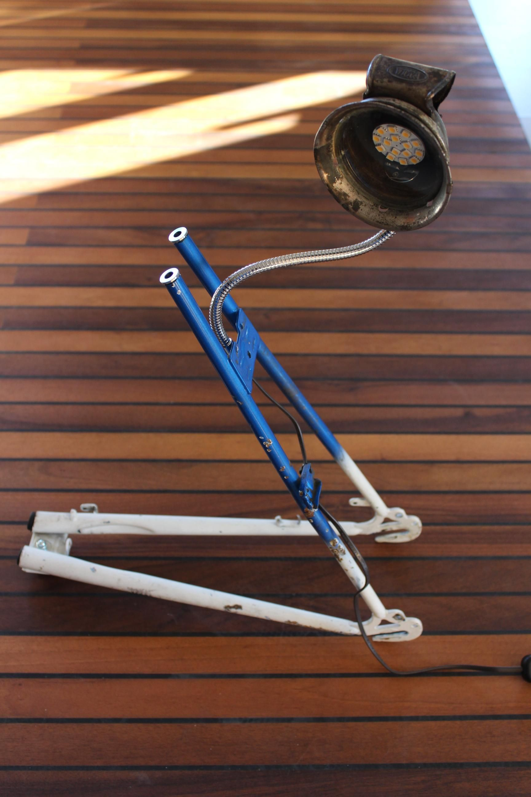 Upcycled bike frame, now desk LED lamp. More on upcycle-it.ch ...
