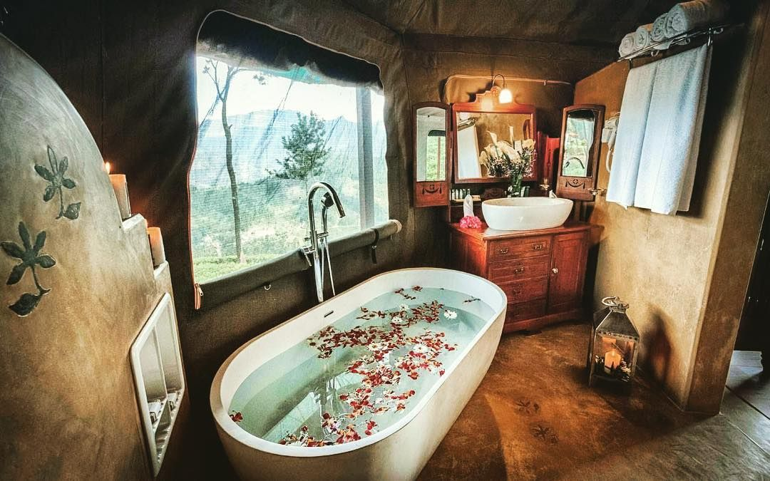 who want to have a bath here? perfect setup for current weather