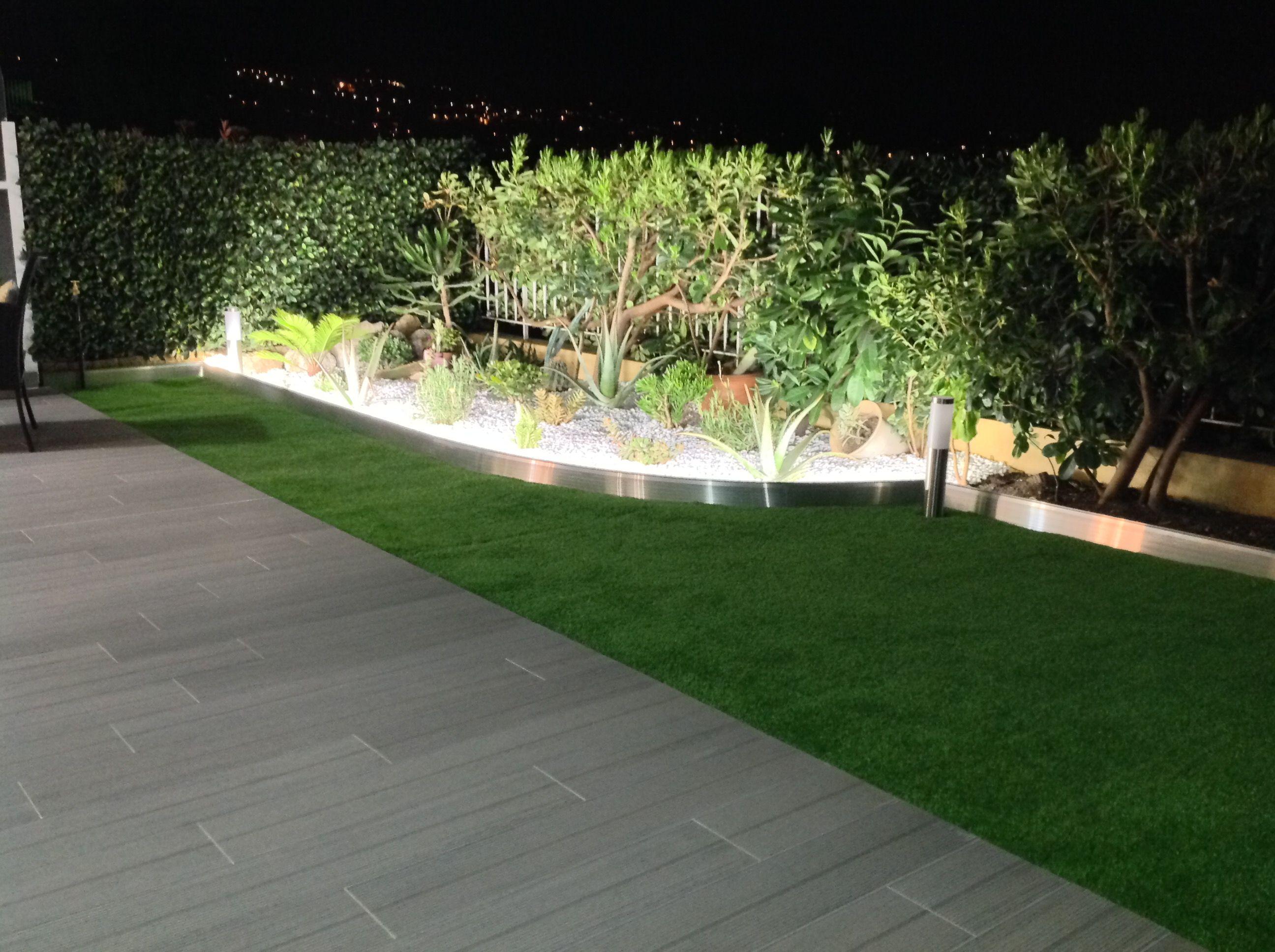 Kit d\'éclairage LED pour bordures en aluminium | Bordure de jardin ...