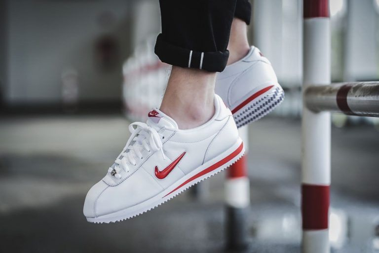 new concept cc6ac b1ced nike-cortez-basic-jewel-qs-weiss-rot-938343-